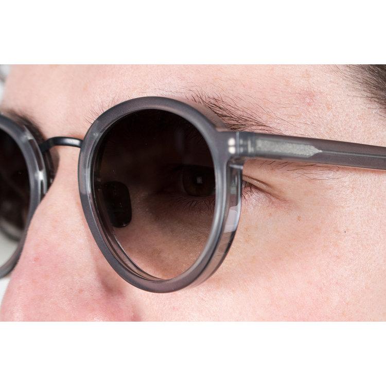 Gobi Gobi Sunglasses / Loren / Icy Grey