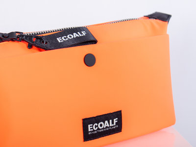 Ecoalf Ecoalf Toiletry Bag / Vanity Case / Red