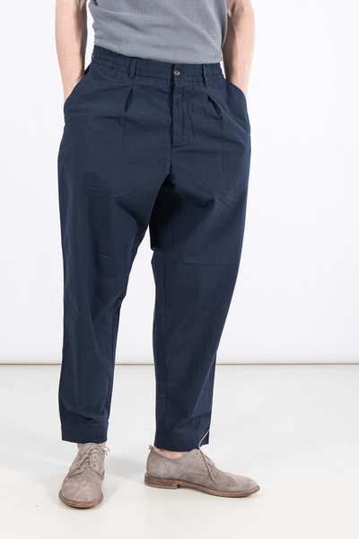 Universal Works Universal Works Trousers / Pleated Track / Navy