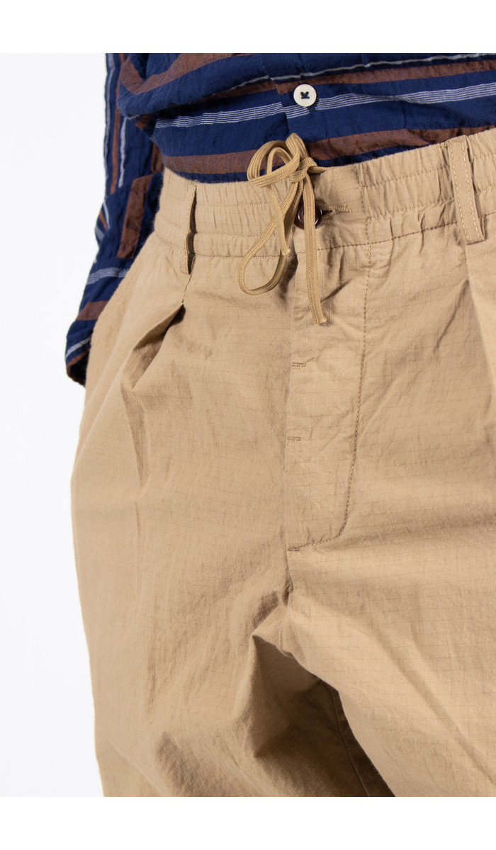 Universal Works Universal Works Trousers / Pleated Track / Sand