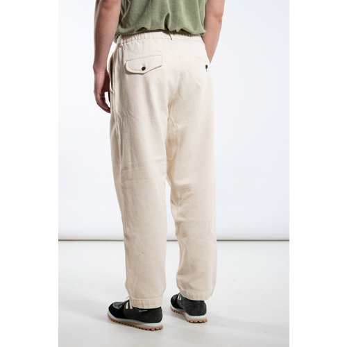 Universal Works Universal Works Trousers / Pleated Track / Ecru