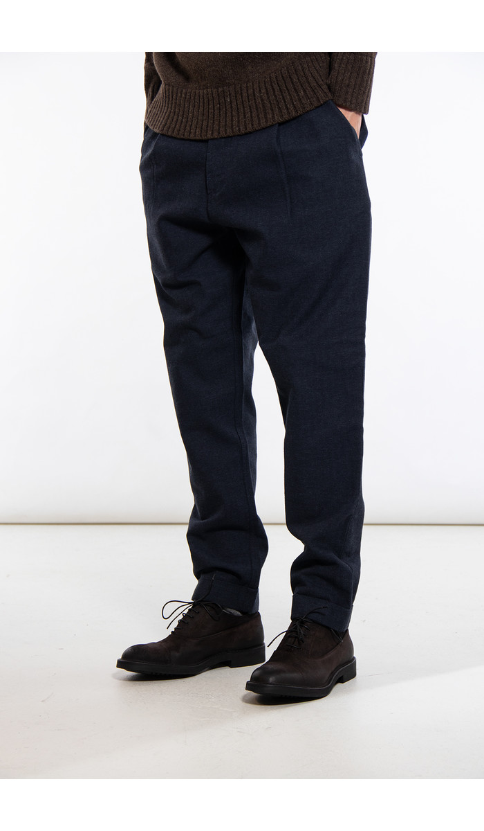 Universal Works Universal Works Trousers / Pleated Pant / Navy