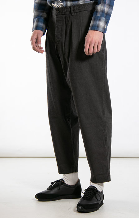 Universal Works Universal Works Trousers / Pleated Track / Brown