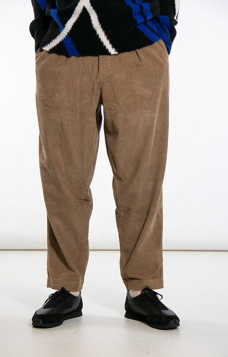 Universal Works Universal Works Trousers / Pleated Track / Camel