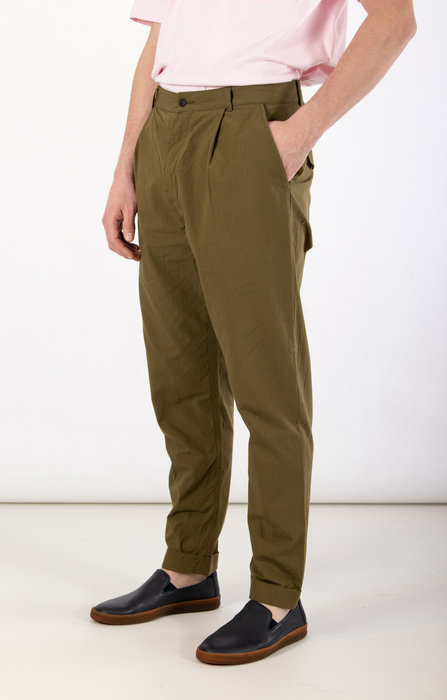 Universal Works Universal Works Trousers / Pleated Pant / Olive
