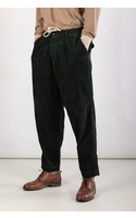 Universal Works Trousers / Pleated Track / Forrest