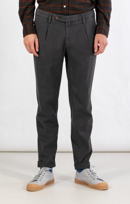 Myths Myths Trousers / 21WM19L80 / Grey