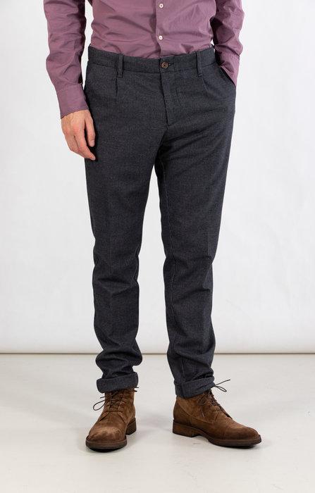 Myths Myths Trousers / 21WM09L17 / Grey