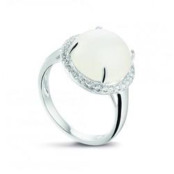 Zilveren gerhodineerde ring , met bolle cabouchon witte maansteen