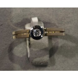 R&C bicolor ring met 0,04ct PW maat 55