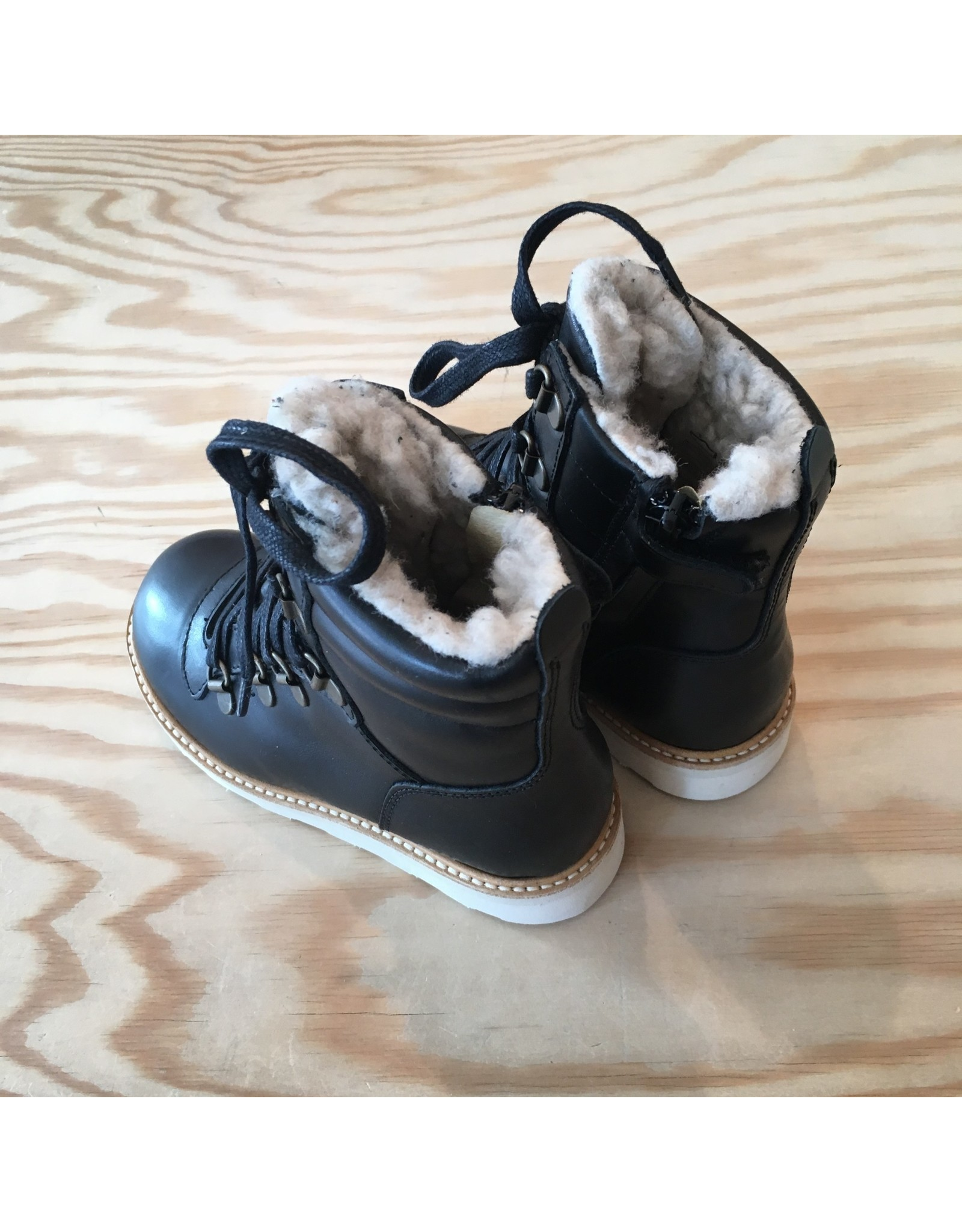 YOUNG SOLES YOUNG SOLES SMITHY FUR LINED BLACK