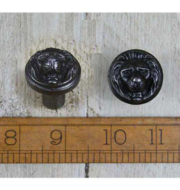 Cottingham Collection Lion face knobs