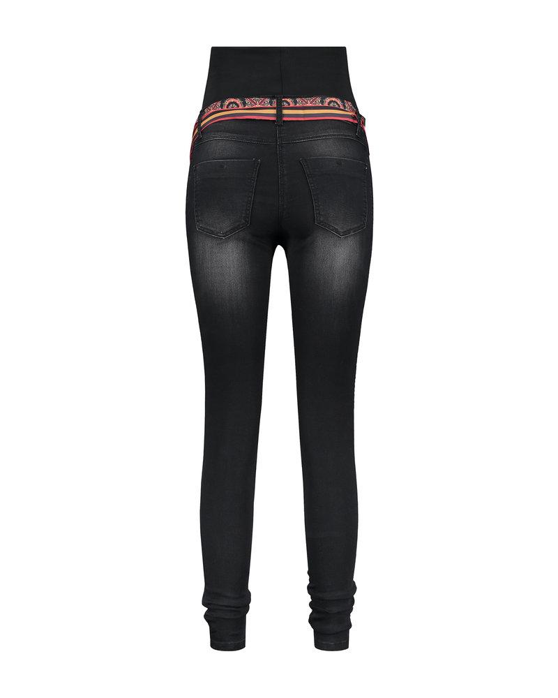 """LOVE2WAIT Jeans Sophia 30"""" Belt-Charcoal"""