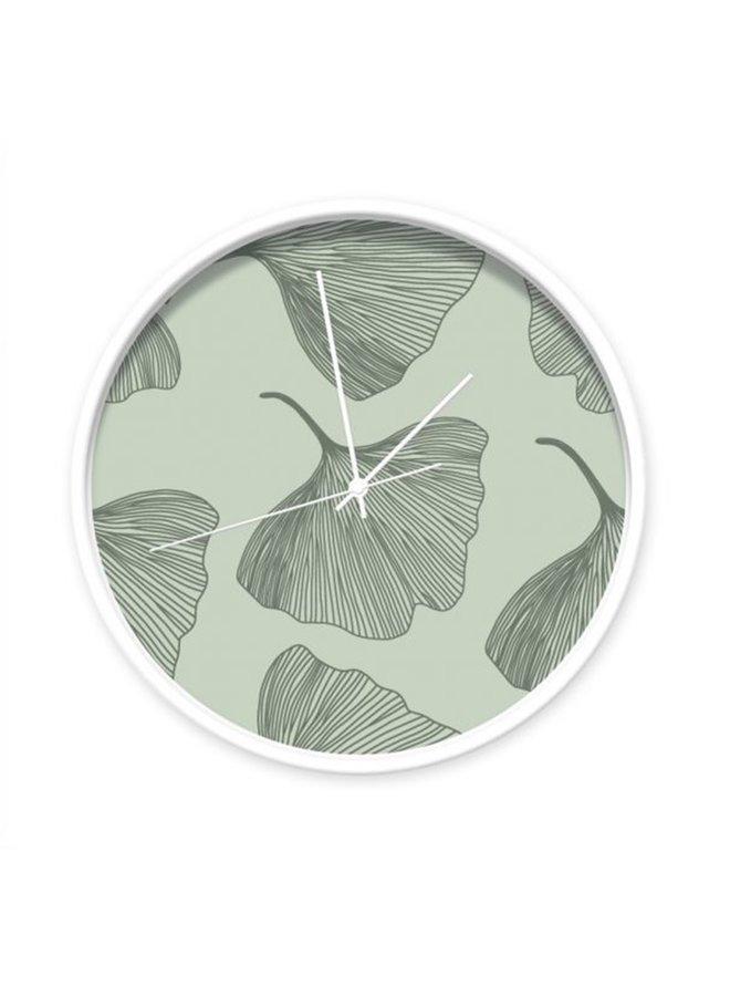 Groene Wandklok met ginkgo bladeren