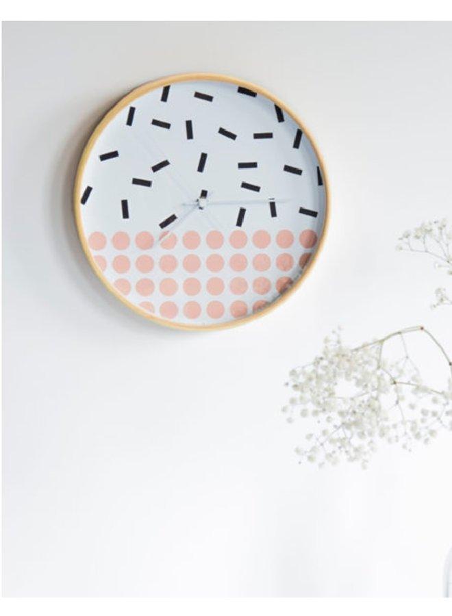 Wandklok met vrolijke sprinkles en dots