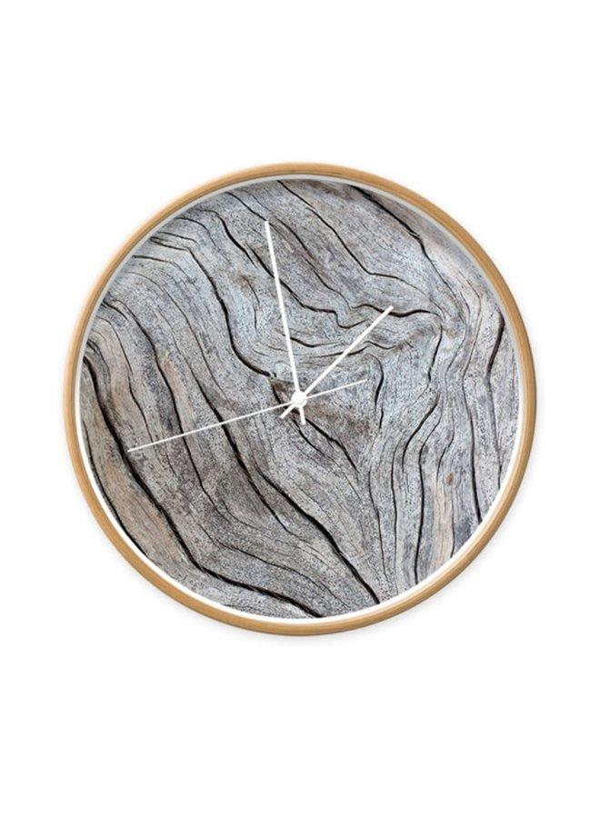 Clock old wood