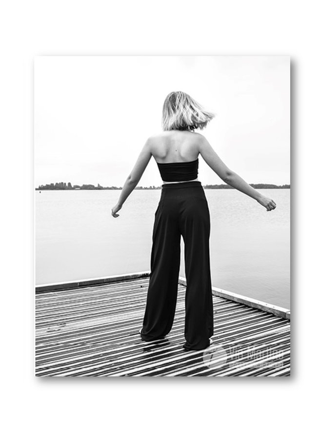 Poster Woman Lake