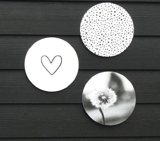 Outdoor wall circles