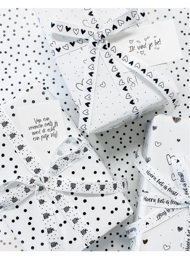 Wrapping paper   dots
