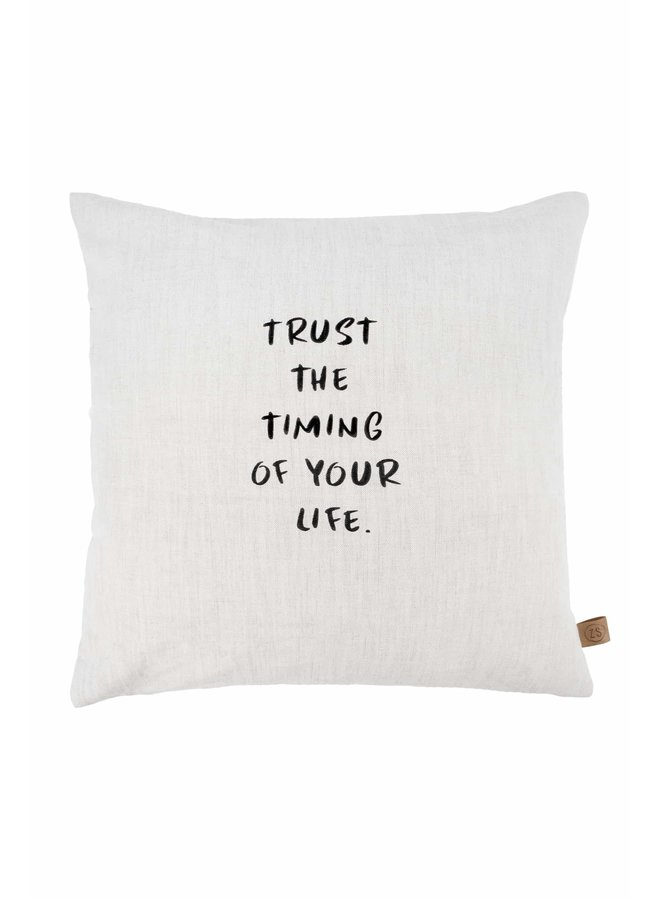 Kussen Trust the timing of your life