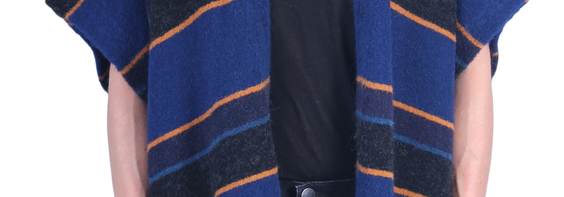 Vest CLOSED