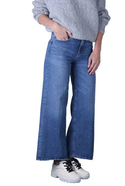 Jeans Nine Voice-Over