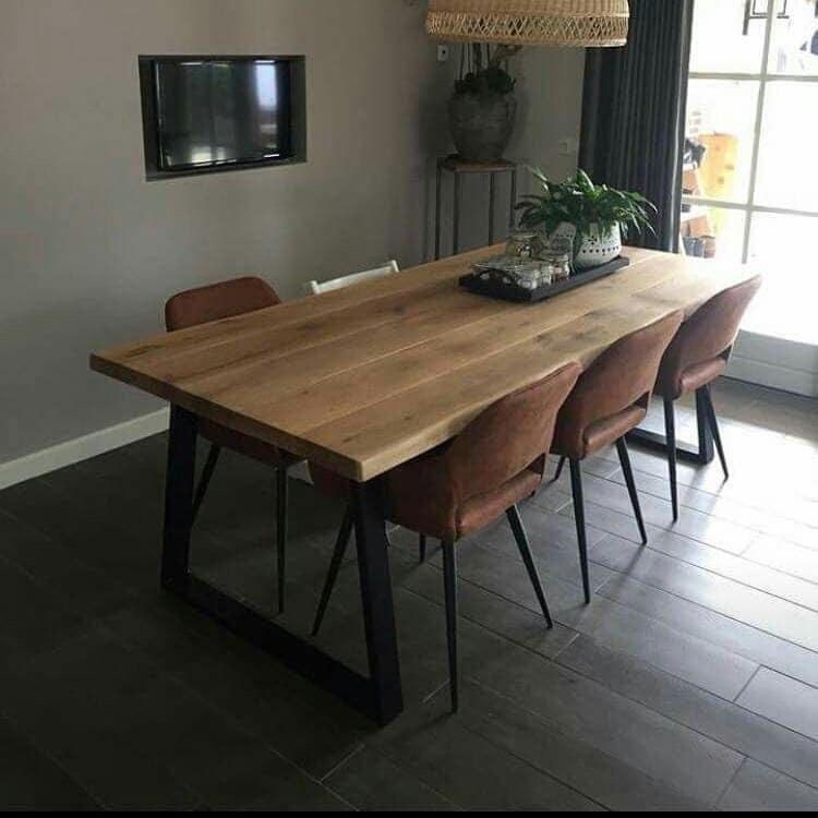 Eiken tafel met witte X poten