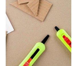 Thuisrecycling Child-friendly cardboard saw