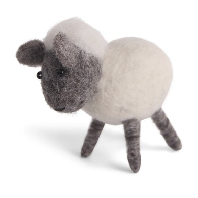 En Gry & Sif Én Gry & Sif handmade white lamb standing