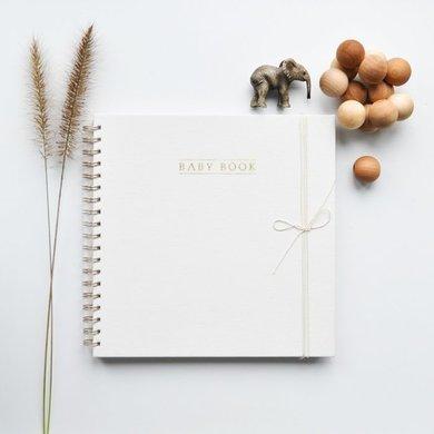 House of products Babyboek Ivory engels