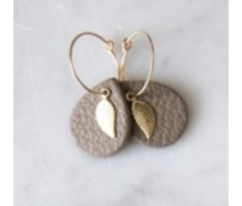 Lisa la pelle Lisa la Pelle earrings leaf mini me taupe