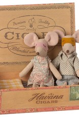 MAILEG MAILEG MUM & DAD MOUSE IN CIGARBOX