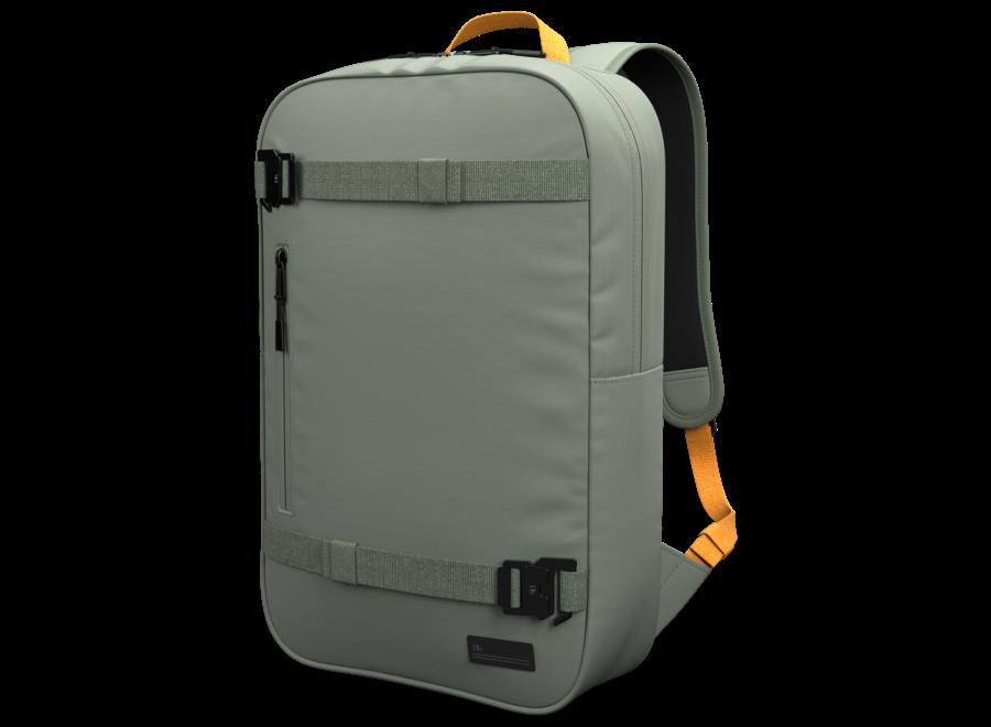 The Världsvan 17L Backpack – Sage Green