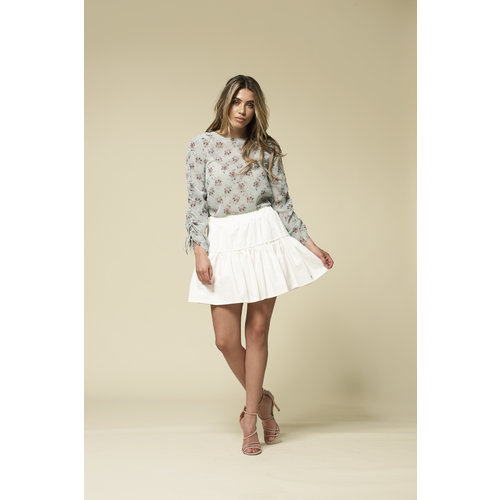 Skirt Love Chaser