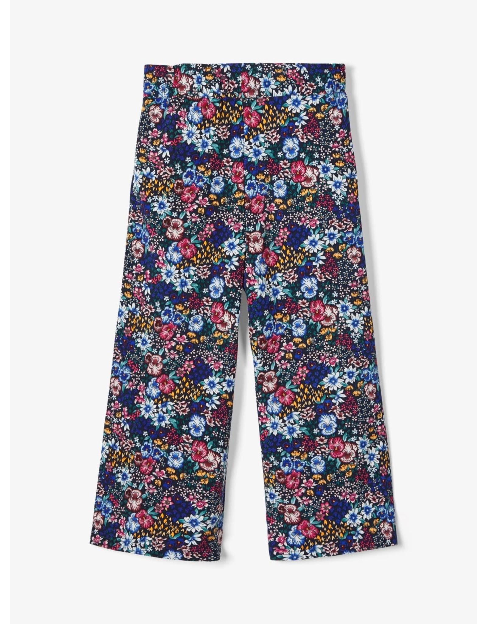 Name It Brede 7/8 broek met bloemenprint - LAATSTE MAAT 122