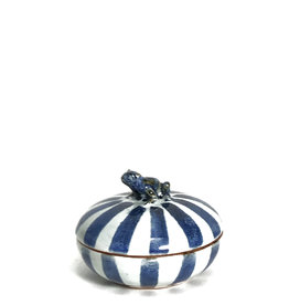 Frog striped blue-white citrus-scented candle box