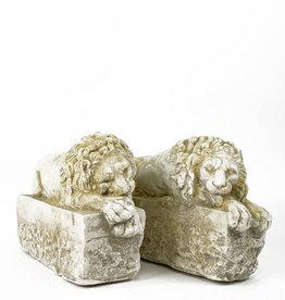 Vintage sleeping lions