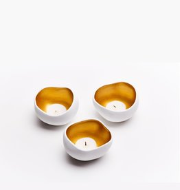 White with gold candle holder trio