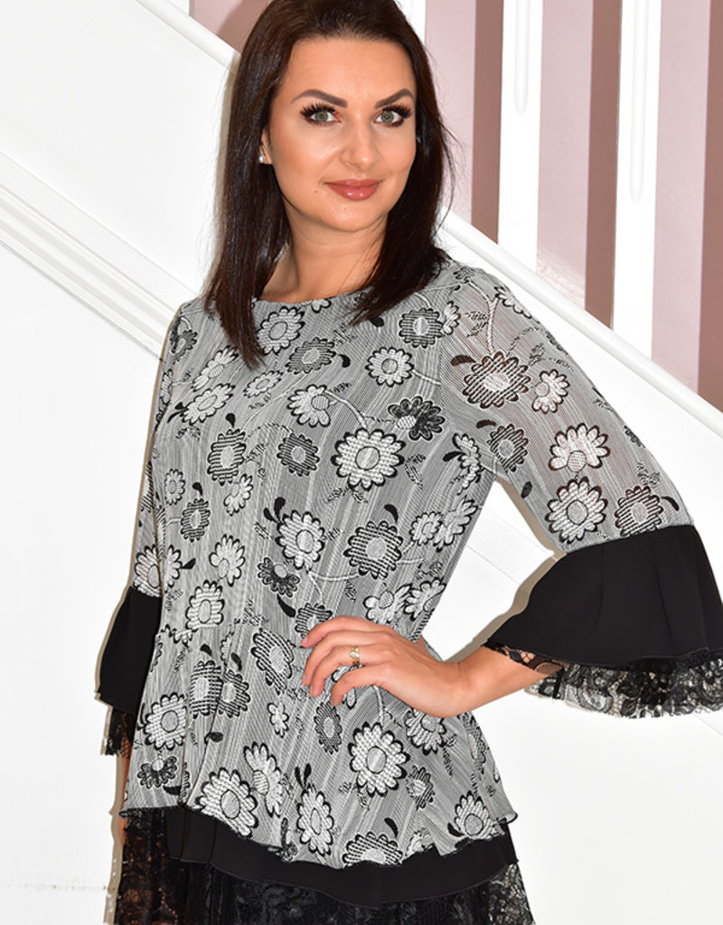 Camelot Floral Pattern Blouse With Lace Detail