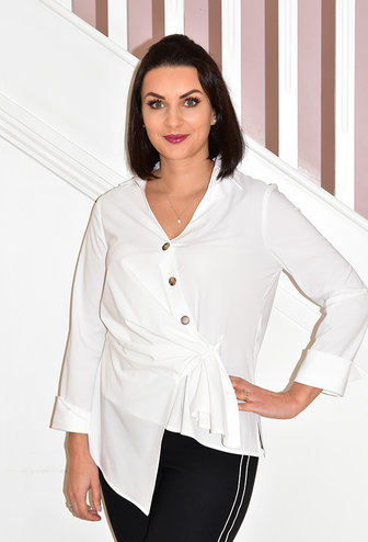 JOSEPH RIBKOFF White Blouse With Ruched Middle & 3 Buttons