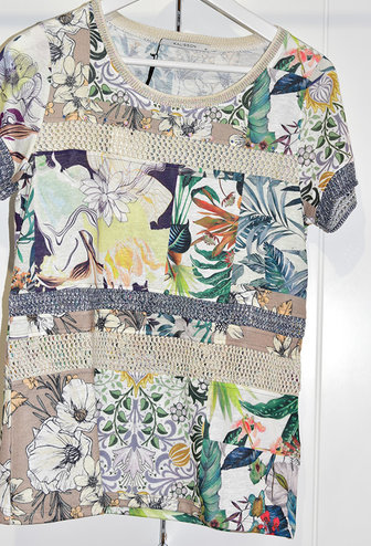 Kalisson Kalisson Top With Floral Pattern & Studs