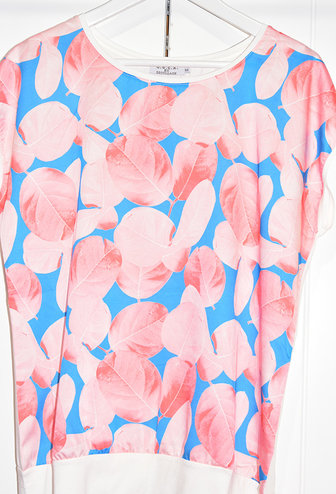 DECOLLAGE Decollage Short Sleeve Leaf Top