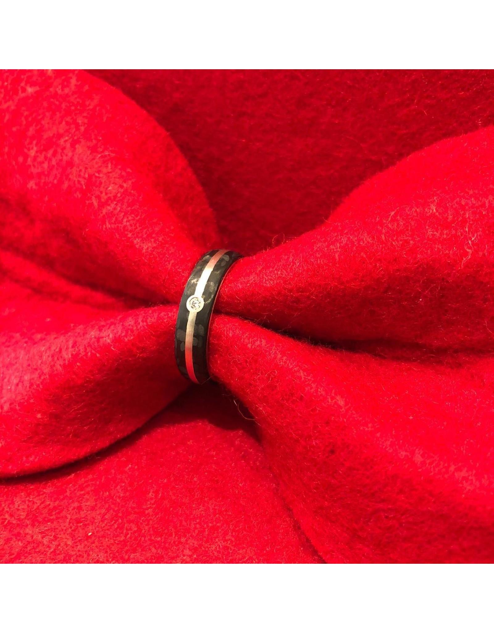 Ring Carbon met diamant