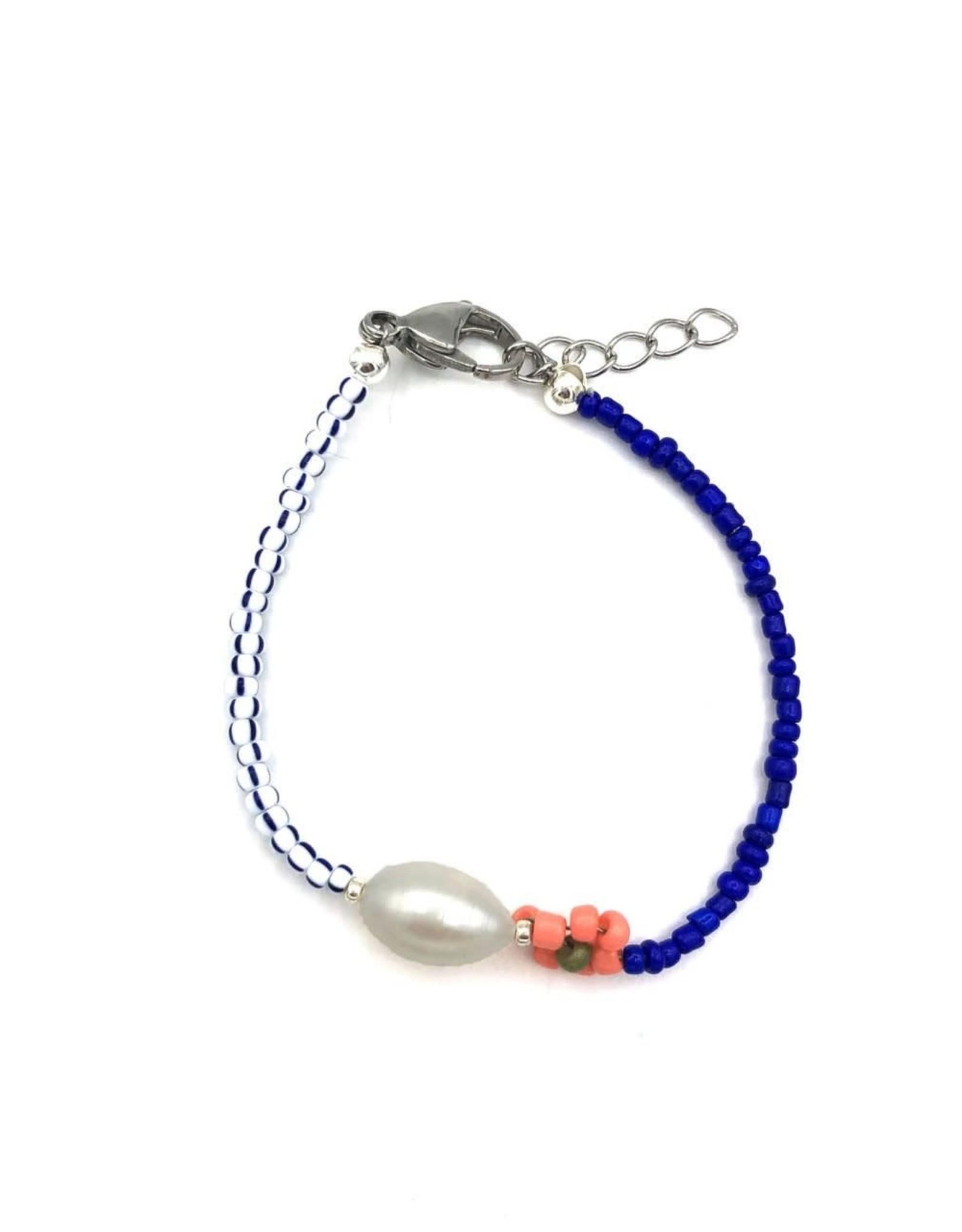 The Golden House Pearl flower bracelet cobalt blue