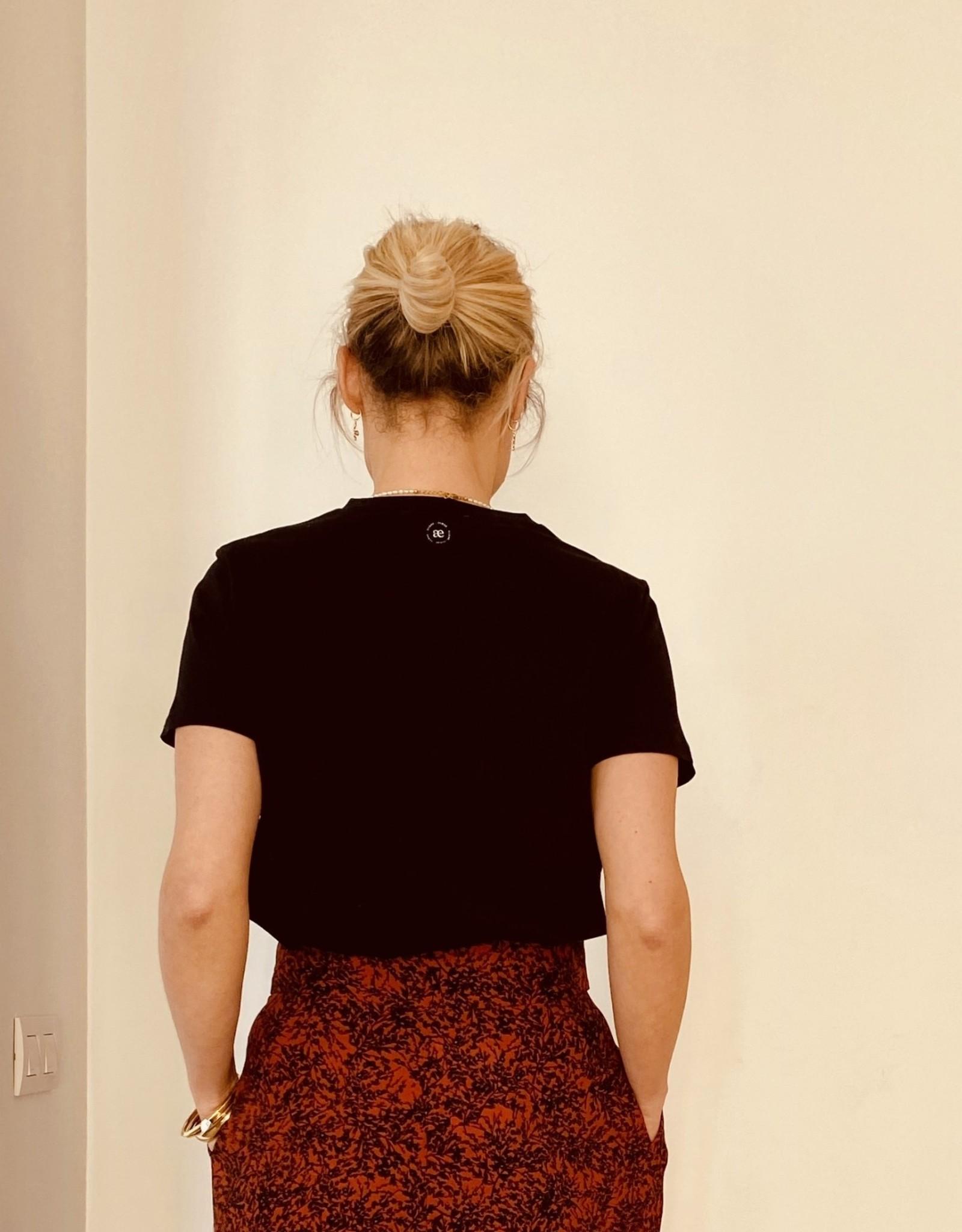 Almae T-shirt 'Teodora' Zwart - almae