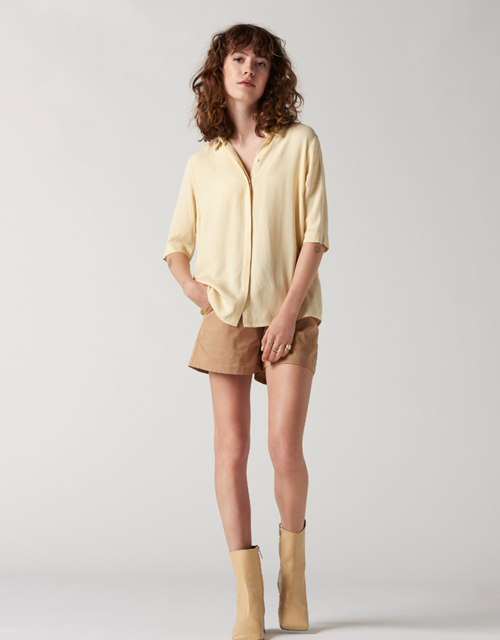 Another Label Blouse 'Bache' - Straw - Another Label