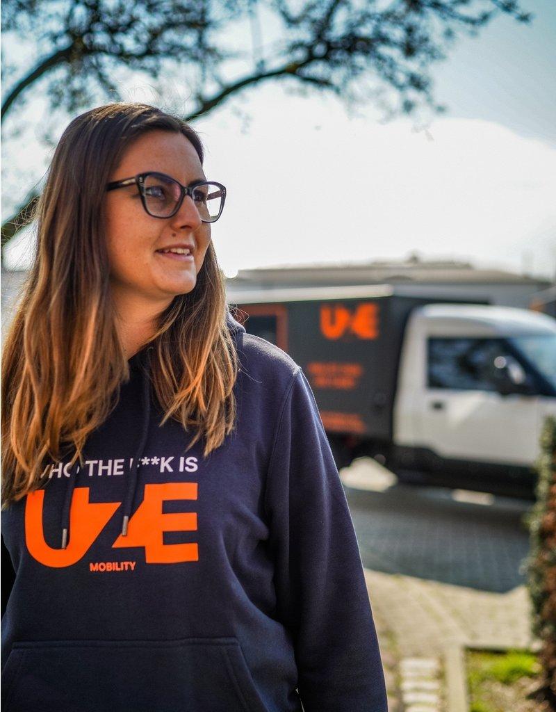 "UZE Hoodie ""WHO THE F**K IS UZE?"" in Dunkelblau"