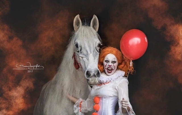 19X FANTASTIC HALLOWEEN COSTUMES AS A HORSEGIRL!