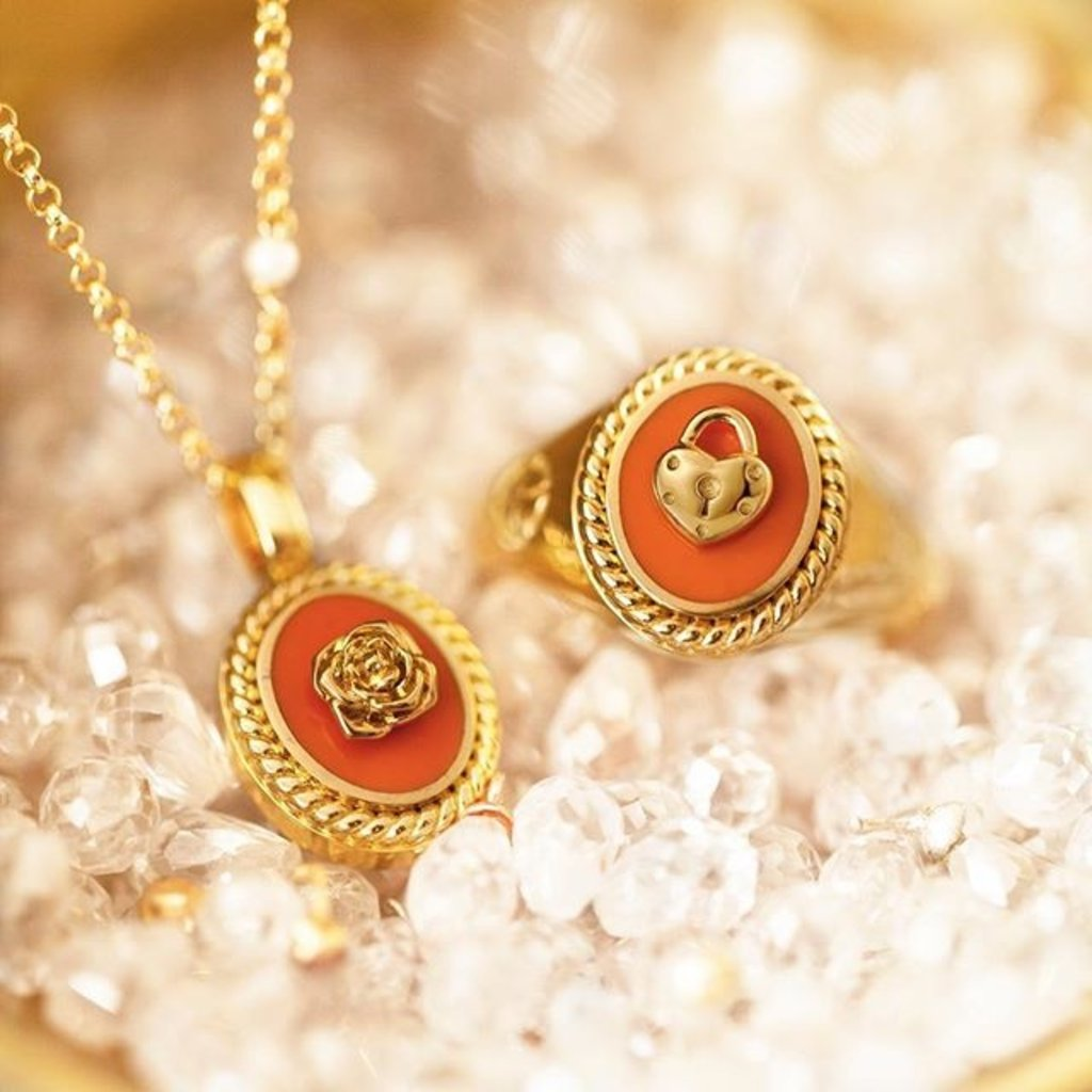 Mi Moneda Mi Moneda Icons pendant Oval Orange Gold Plated