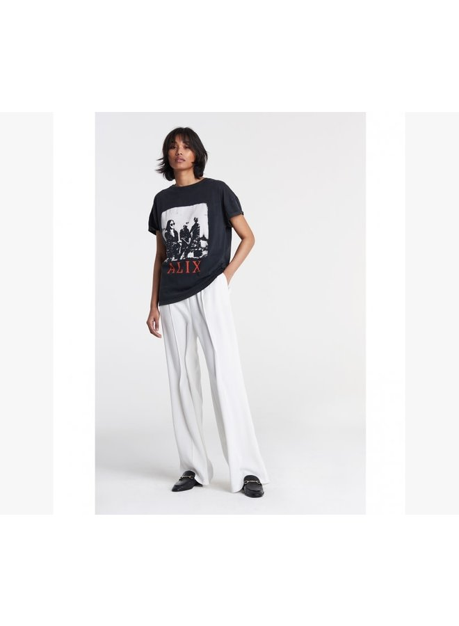 ALIX the Label Boxy T-shirt Photo - Black